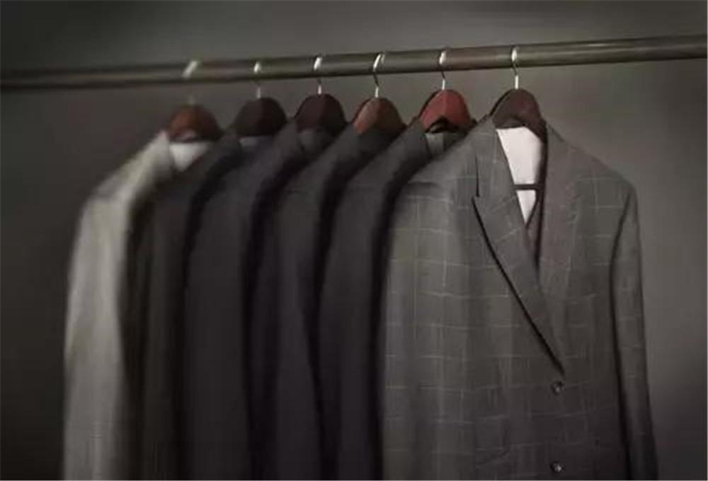 秋季西装定制身材和款式如何搭配