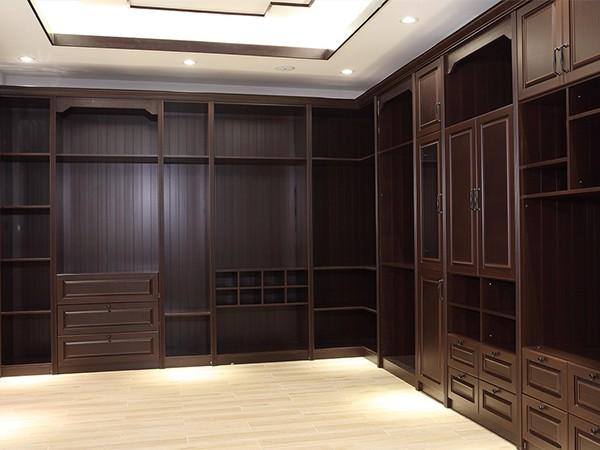 中国风衣柜