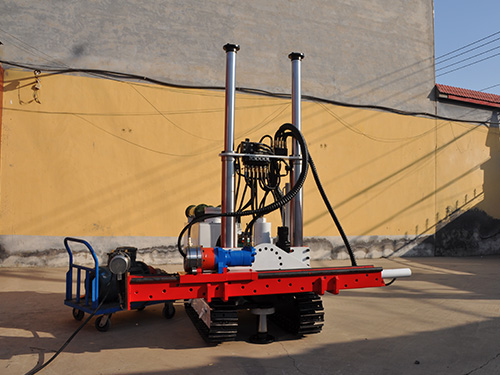 煤矿用履带式液压钻机在使用保养之时要应该注意哪一些地方