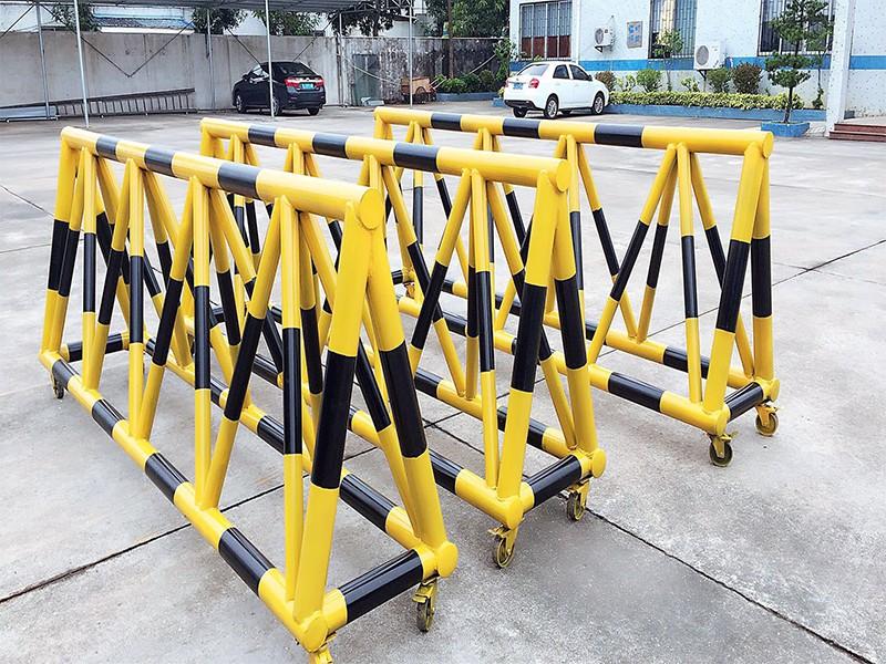 拒马路障对公路交通安全性有什么作用?