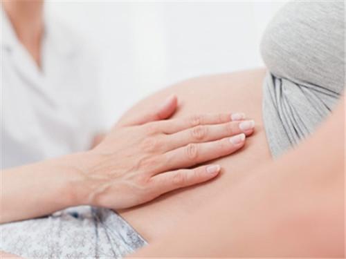 如果输卵管积水,影响试管婴儿的成功率吗?