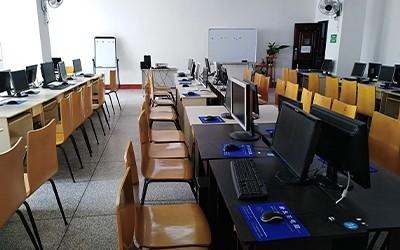 计算机实操教室