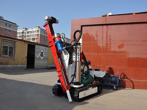 履带式液压钻机在使用的过程之中得说明与保养