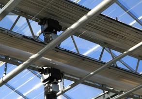常见的几种连栋温室大棚通风降温方法夏季使用维护技巧