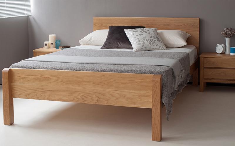 """""""实木床""""好看且舒服,让您安心入睡"""