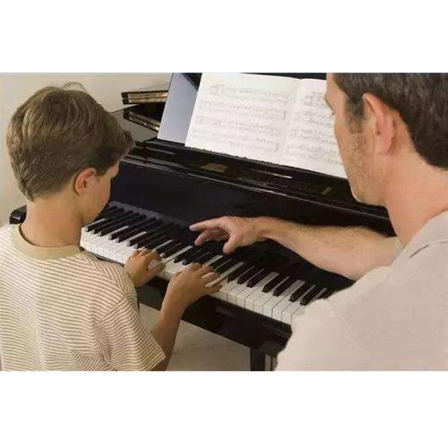 想要知道钢琴培训哪里好还是要看口碑好的培训机构