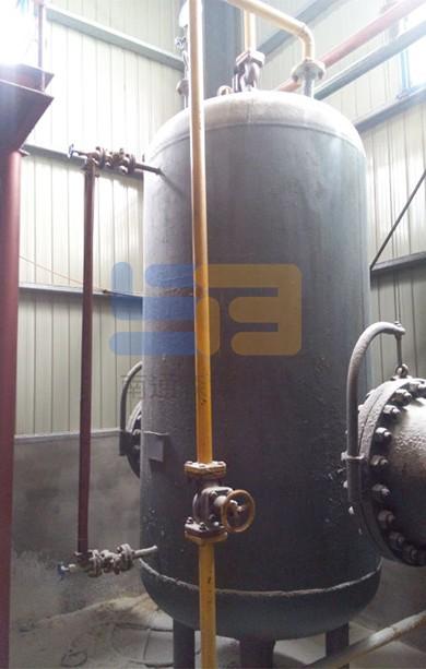 Methane metering tank