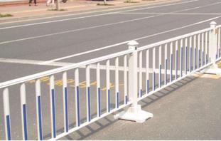 为何许多场所都在运用镀锌交通护栏?