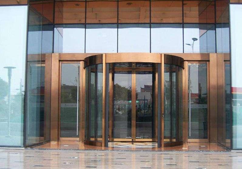 自动旋转铜门厂家介绍其铜门的验收要求