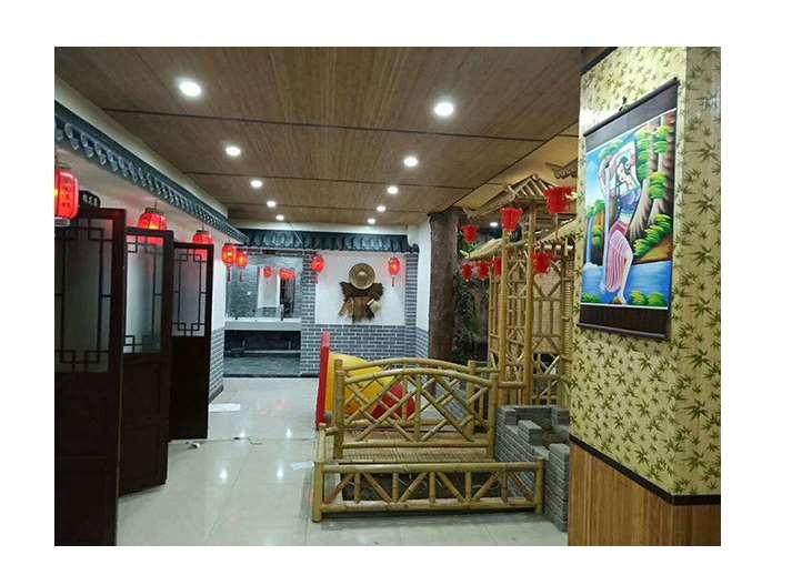 竹建筑技术重要的优点是造价低