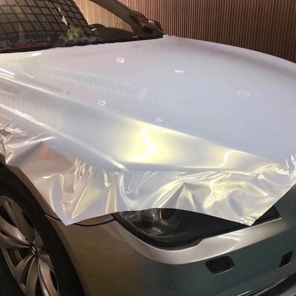 汽车贴隐形车衣的目的及漆面保护膜的重要性