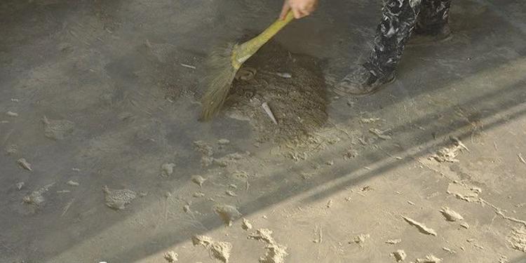 PVC地板施工现场勘验采取相应的处理措施