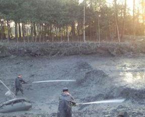 定期池塘清淤防止水质老化