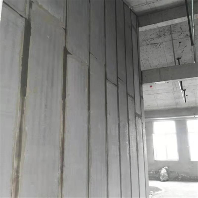 新型轻质隔墙条板与传统建材相比有哪些优势