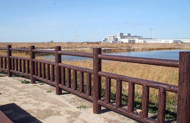 选择仿木护栏需要注意哪些因素