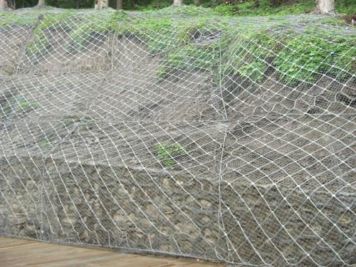 山体滑坡防护网如何安装