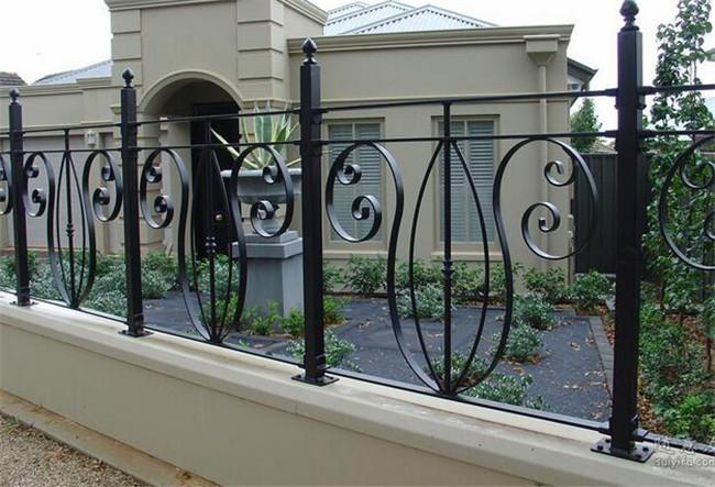 优质锌钢护栏规格及特点