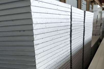 The application of sandwich panel in construction has more obvious advantages