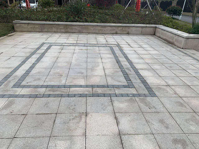 广场仿石材PC砖应用