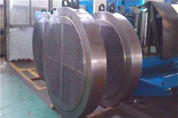 专业厂家告诉您管板焊机的工作原理