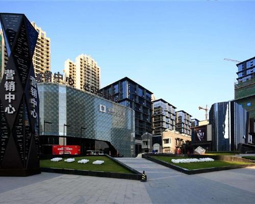 海南吊篮租赁工程七:海南绿地中央广场