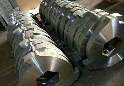 双轴撕碎机刀片的维护措施