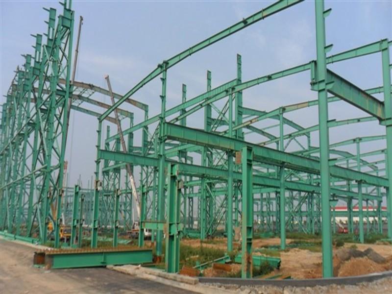 四川工商学院体育馆钢结构施工过程