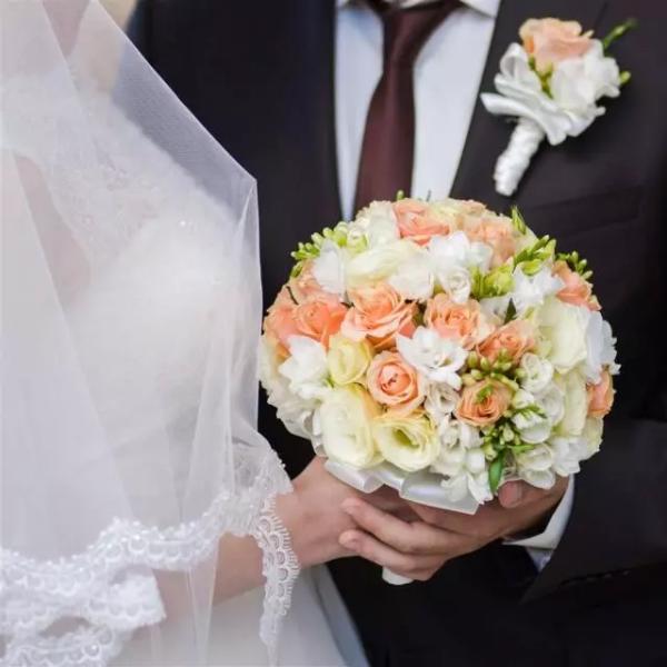 婚礼中如何挑选合适的花艺师?