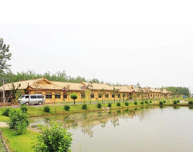 农家乐竹房子
