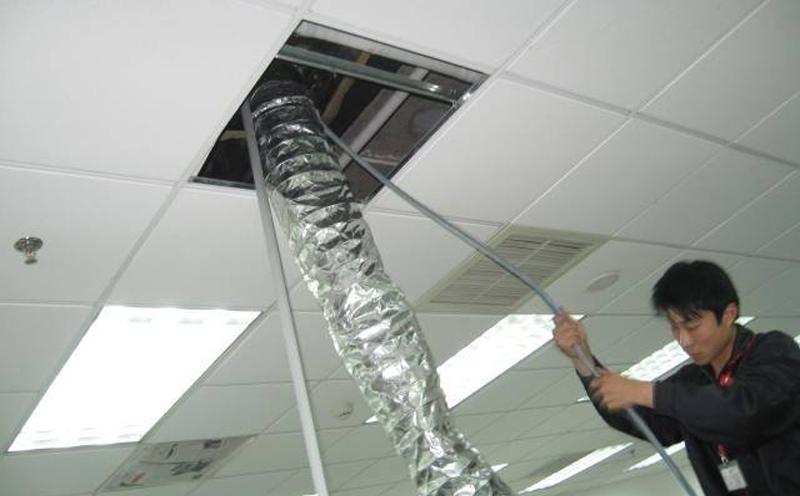 处理中央空调冷凝器维修问题