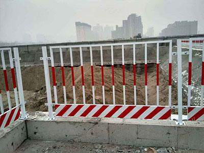 基坑护栏的洁净