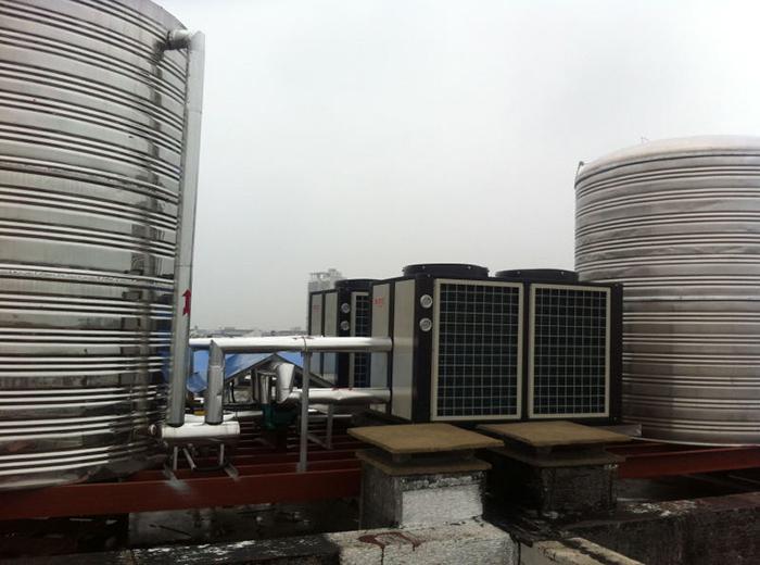 云南建水如家空气能热水器安装工程