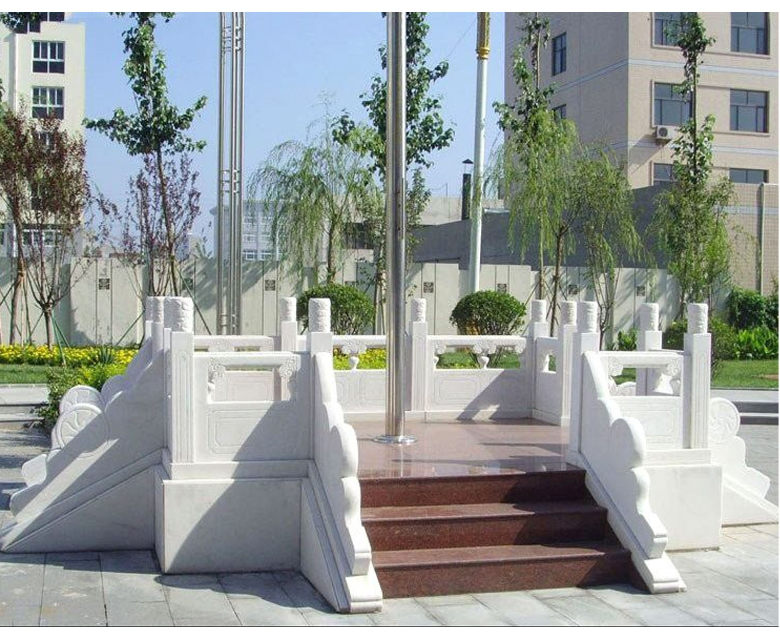 石桥广场雕塑