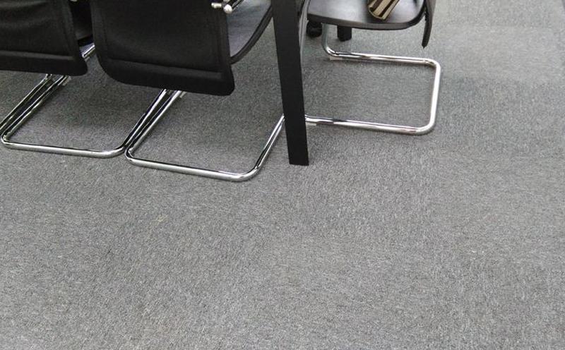 教你如何区分腈纶地毯和涤纶地毯