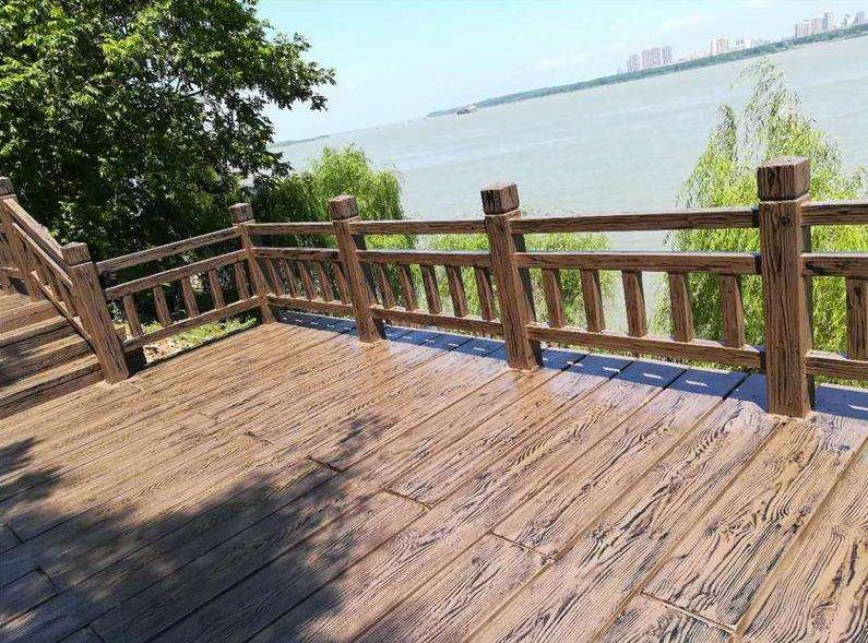 河道仿木护栏在生活中的重要性