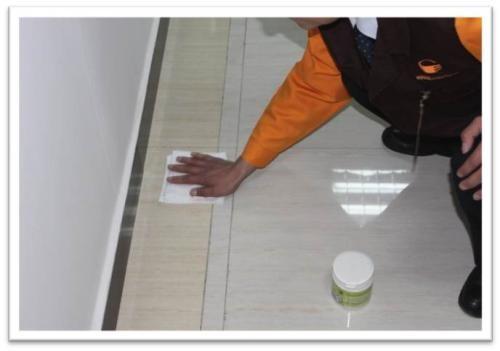 西宁家政公司告诉您:釉面砖防污基本原理