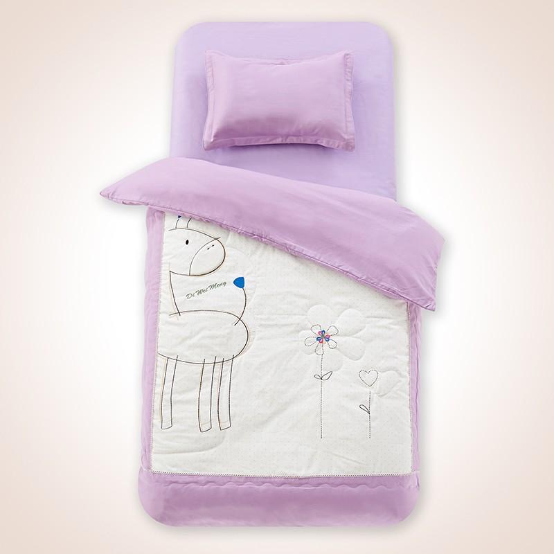 幼儿园棉被