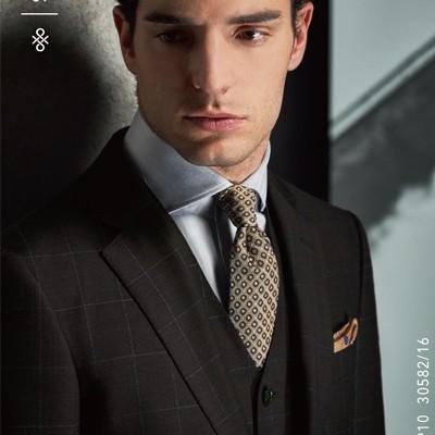 黑色条纹套装