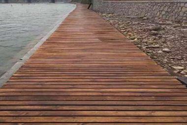 仿木铺板有什么优点和缺点呢