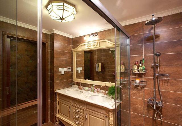 卫生间里用什么样的热水器好?4种热水器对比,选购不犯难