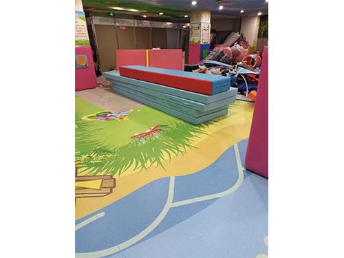 幼儿园地板制造