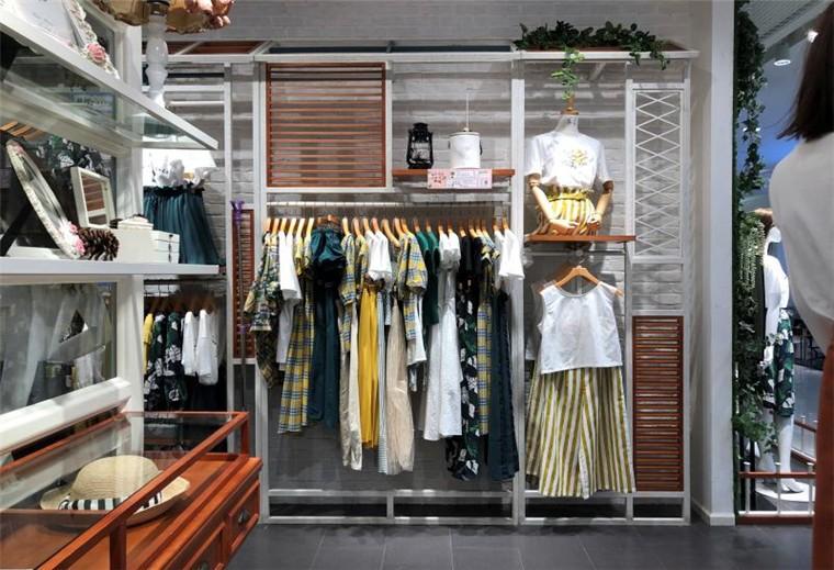服饰类展示柜