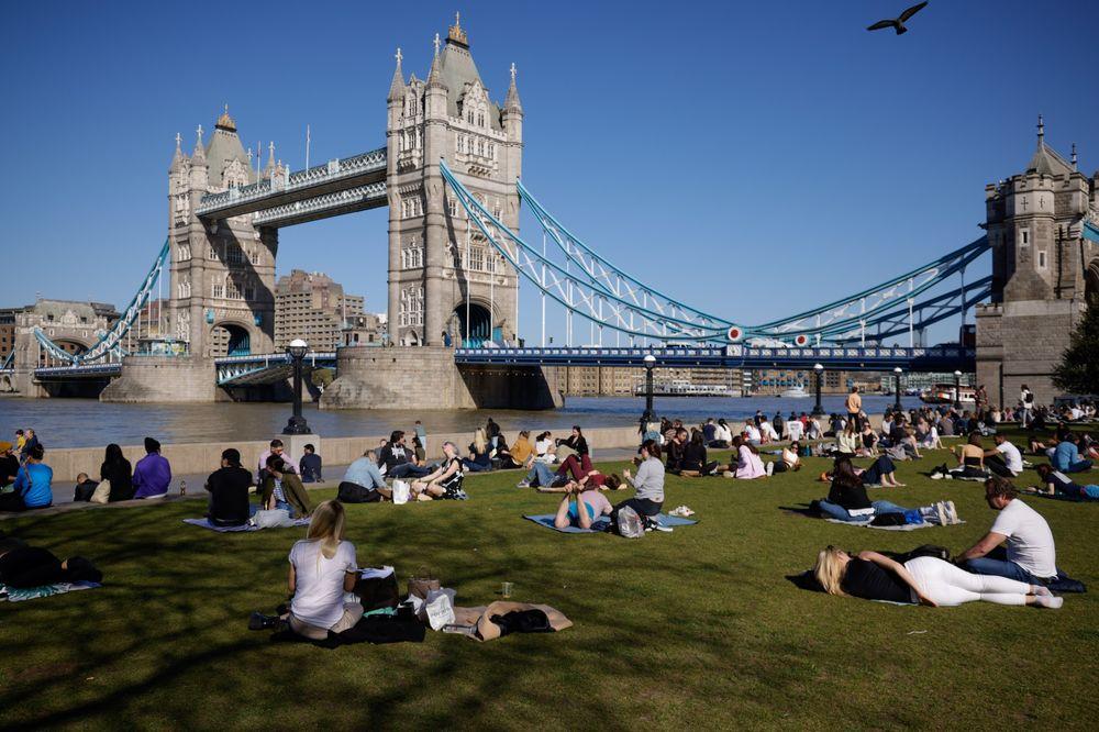 没有工作机会?大学毕业生移居英国没问题