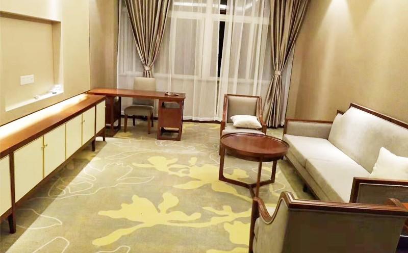 川宾西楼编织地毯铺设