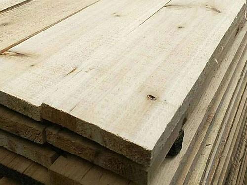 介绍杉木板的加工应用多样性