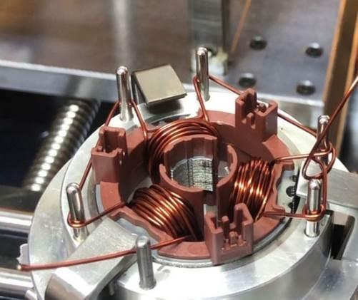外转子自动嵌线机是怎么工作的