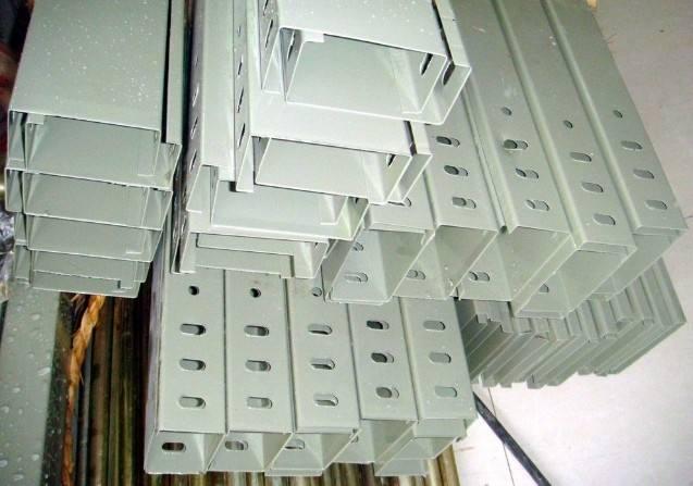 扬中槽式电缆桥架厂家告诉你电缆桥架的分类特点