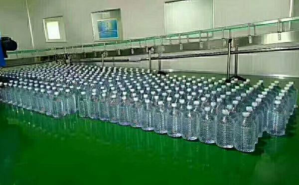 青岛大桶水配送公司教您正确选购崂山矿泉水配送?