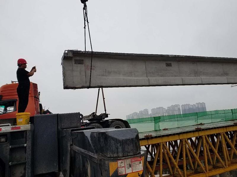 眉山岷江一桥大型吊车租赁案例