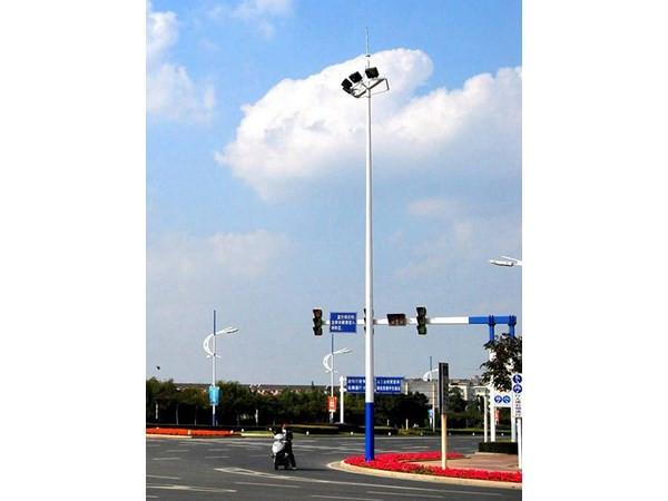 中华灯厂家解释什么态度决定太阳能路灯的照明灯具实际效果